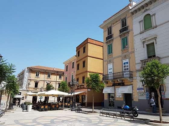 Centrum historického jádra města Olbia na Sardinii.