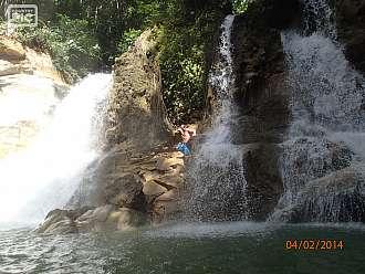 Mag-aso falls na Boholu