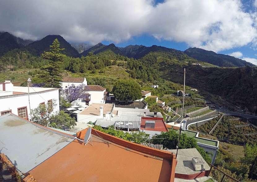 Pohled na klášter Nuestra Seňora de las Nieves na La Palmě.