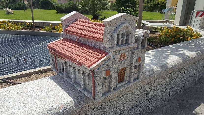 Mini replika baziliky San Simplicio v Olbii