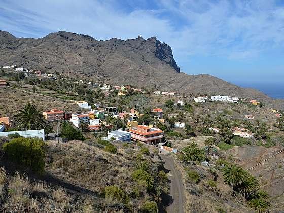 Pohled na vesničku Alojera.