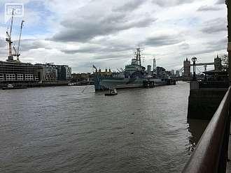 HMS Belfast - lehký křižník podtřídy Edinburgh třídy Town britského válečného námořnictva.