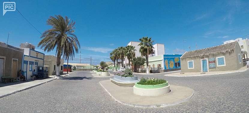 Palmeira - centrum obchodu na Salu