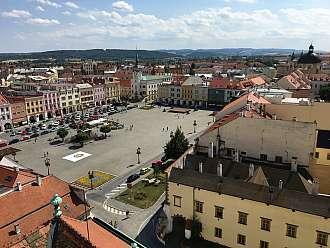 Výhled na zámek a Kroměříž ze zámecké věže