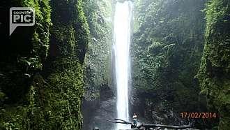 krasny vodopad Casaroro