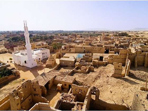 Al Qasr - zapomenuto v poušti