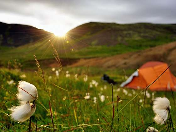 Horké prameny v údolí Reykjadalur