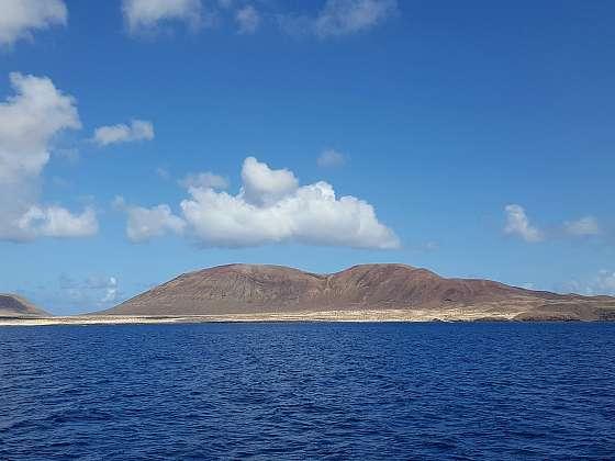 Pomalu se blížíme k ostrovu Graciosa.